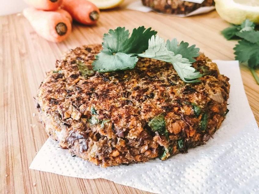 Receita de Hambúrguer Vegan de Feijão Azuki e Cenoura