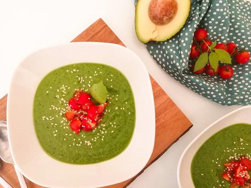 Receita de Sopa Fria de Abacate e Espinafres