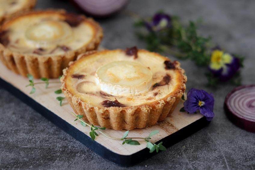 Receita de Tarteletes de Cebola-Roxa e queijo Chèvre