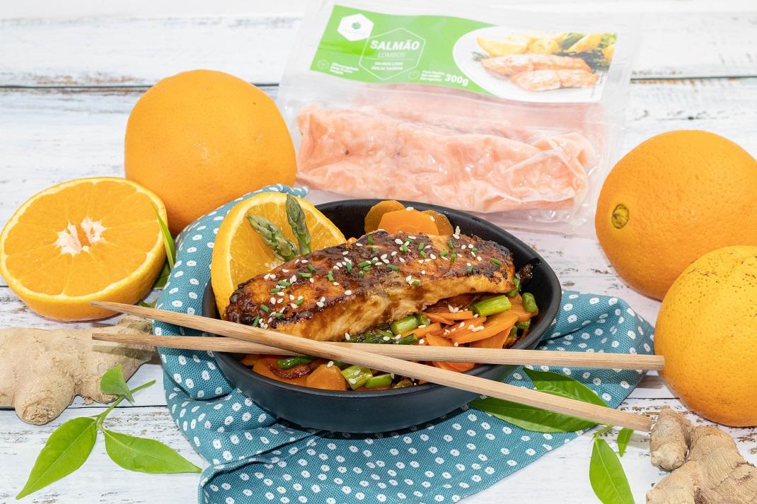 salmão com laranja